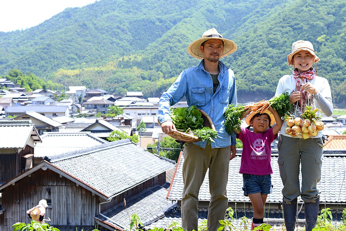 HOME MAKERS 小豆島ひとやまの農家カフェ 三村拓洋さんご家族